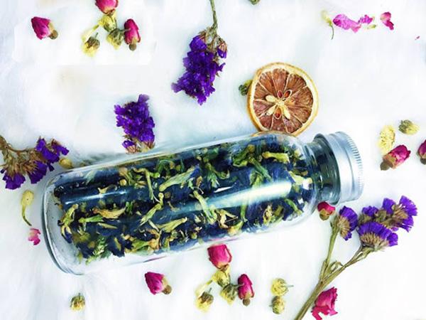 Uống trà hoa đậu biếc